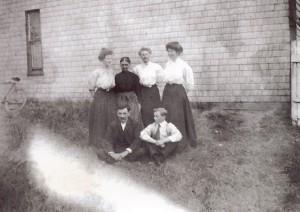 72 Highland The McCalder Family, c. 1907