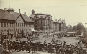 Queen Square from the south on Market Day, Postcard <br> L-R The Butcher Market, the Cabot Building, Province House and the Law Courts Building