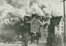 Fire on the north east corner of Great George and Kent Street (the site of the future Tweel Block), 1923, Public Archives and Records Office