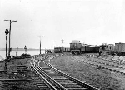 Narrow and Standard Gauge Tracks <br /> Photo Courtesy of the CN Collection